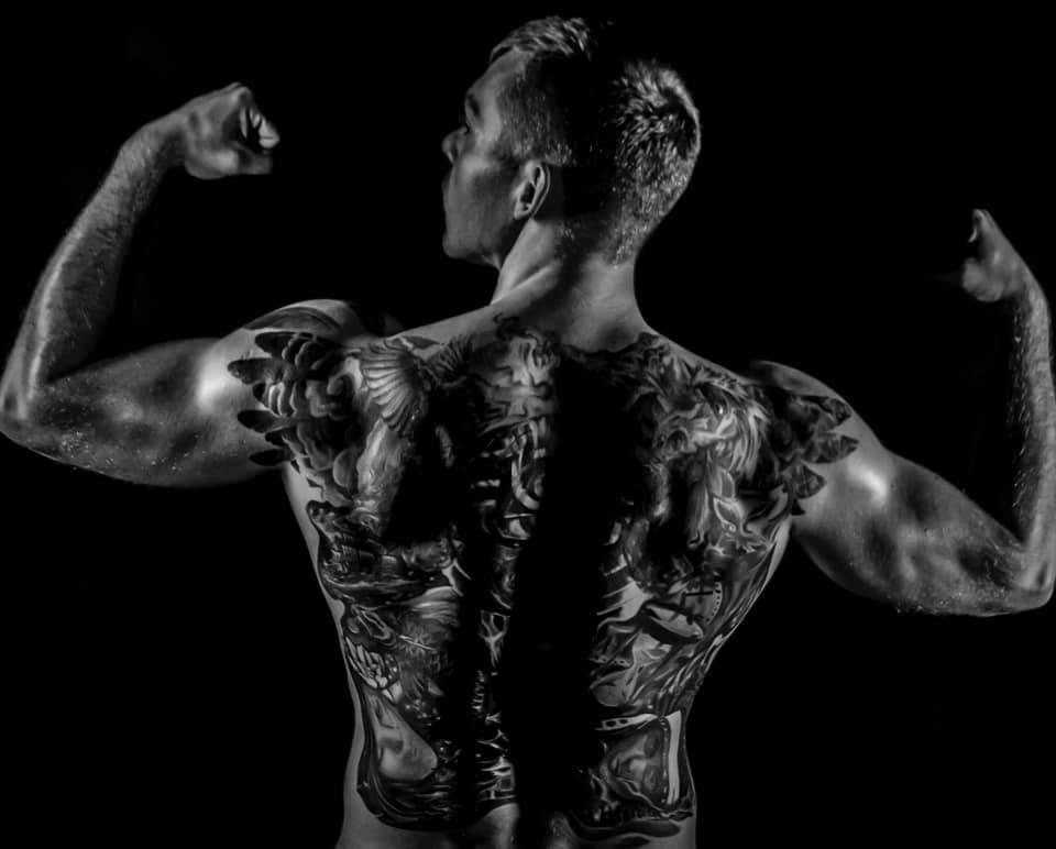 Tatuaże a siłownia