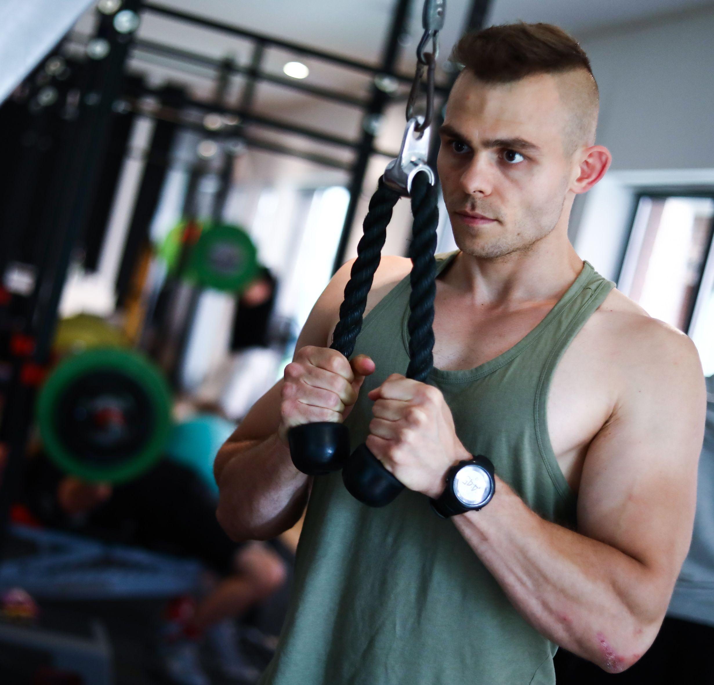 Sebastian Szymczak trener personalny FitNow Kraków